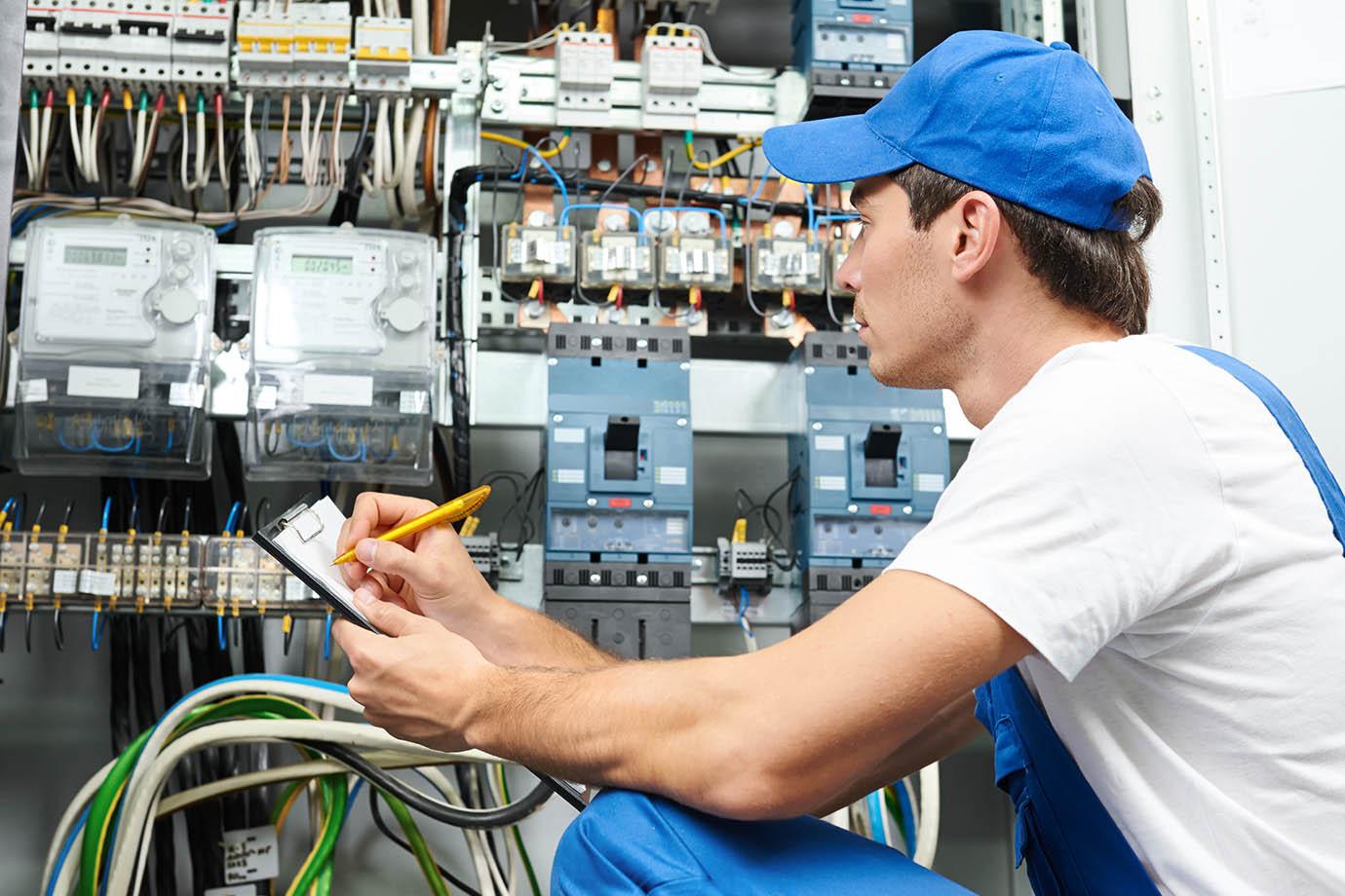 oferta pracy elektryk